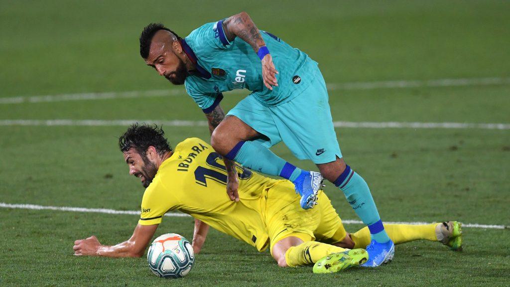 Barcelona con Arturo Vidal en cancha goleó a Villarreal y sigue en la lucha por la liga española