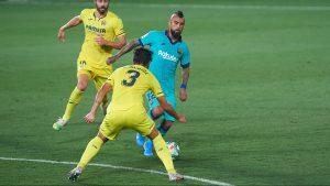 """""""Estaba casi siempre donde debía"""": medios españoles destacaron la labor de Vidal en la goleada de Barcelona"""