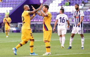 Con gol de Arturo Vidal, Barcelona sigue al acecho del Real Madrid