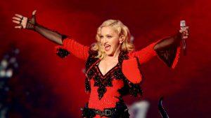 Madonna compartió fotografía en topless y dividió a sus seguidores de Instagram