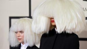 Sia reveló que impedió que Maddie Ziegler, la protagonista de sus videos, viajara en el jet privado de Harvey Weinstein