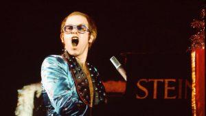Elton John publicará en Youtube una serie de conciertos clásicos
