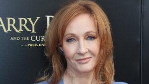 J.K. Rowling mantiene su postura contra los trans: Ahora comparó el tratamiento hormonal con los antidepresivos