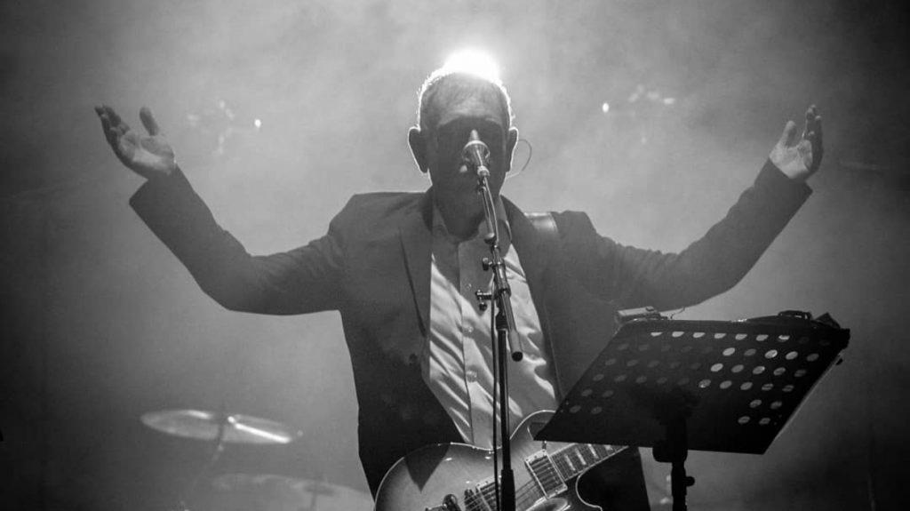 """Carlos Cabezas lanza miniserie sobre su música dirigida por el director de """"Nadie sabe que estoy aquí"""""""