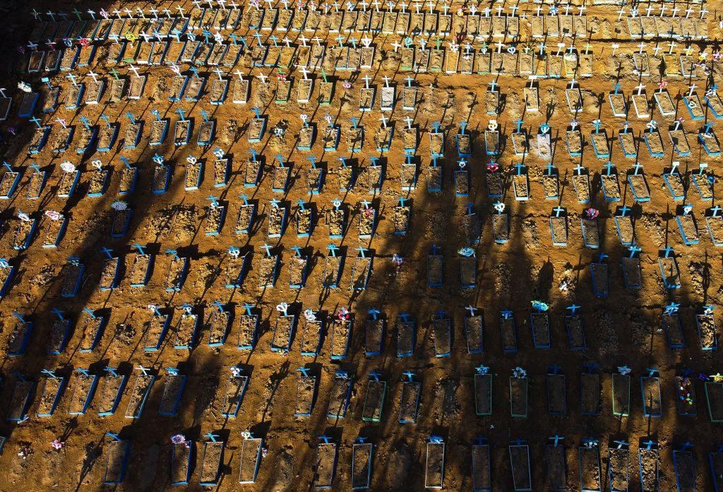 Brasil superó las 1.300 muertes en un día y registra casi 67.000 víctimas del Covid-19
