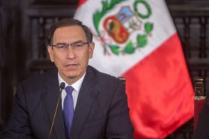 Congreso de Perú debate y decide este viernes la destitución del presidente Vizcarra