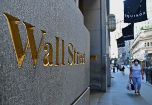 Filtración expone el trato especial de los bancos a millonarios y redes criminales