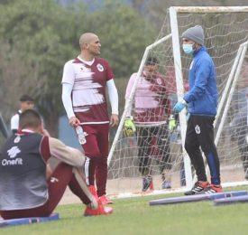 Humberto Suazo ya entrena con Deportes La Serena