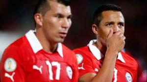 Chilenos en la banca: Gary Medel y Alexis Sánchez son alternativa en duelo entre Inter y Bologna