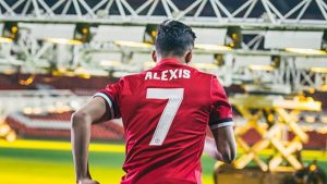 """Manchester United prepara potente fichaje que ocuparía el mítico """"7"""" que dejó vacante Alexis Sánchez"""