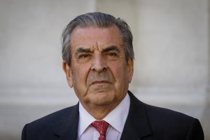 ExPresidente Eduardo Frei presentó tres demandas contra su hermano por millonarias deudas contra tres factoring