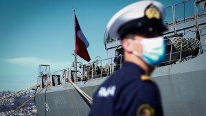 Contraloría ordenó a la Armada devolver 1,7 millones de dólares por viajes, viáticos y fletes que no fueron acreditados