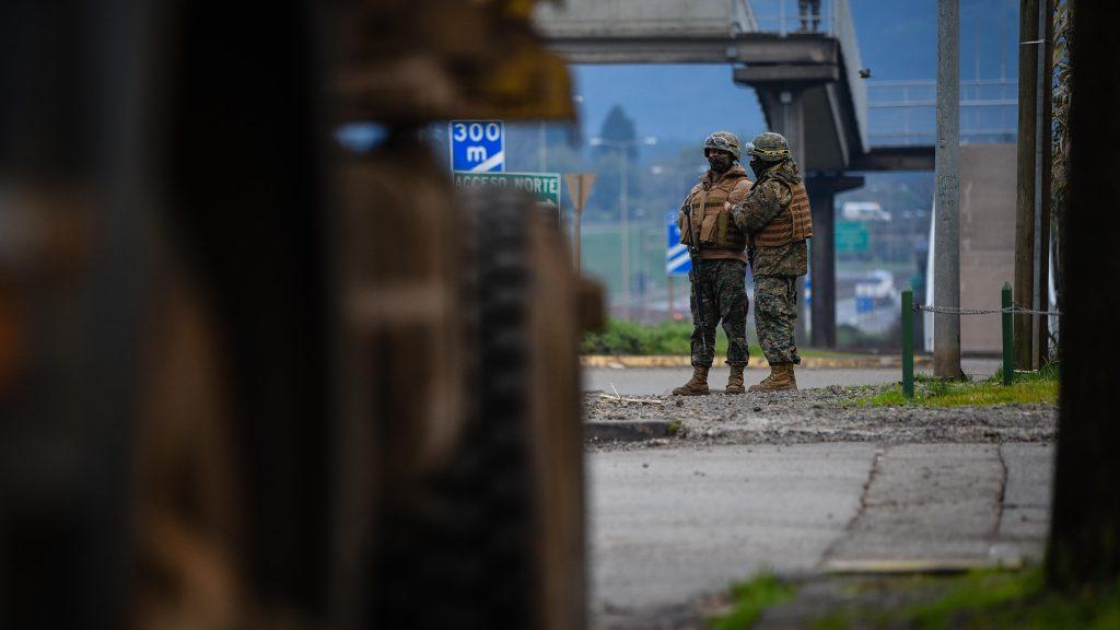 Carabineros informó que un sargento terminó herido con perdigones en enfrentamiento con encapuchados en Ercilla