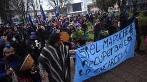 Marcha de comuneros mapuche terminó con 11 detenidos en Temuco