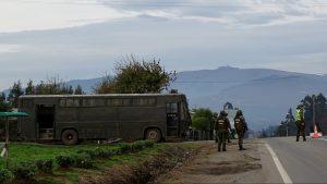 Al menos 100 personas se tomaron la municipalidad de Tirúa