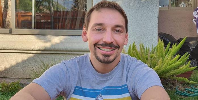 """Rodrigo """"Gallina"""" Avilés estrenó nuevo look y fue comparado con Krilin"""