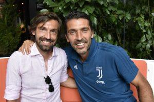 """Buffon bromeó con la llegada de Pirlo a la banca de la Juve: """"¿¡Así que ahora tengo que llamarte señor?!"""""""