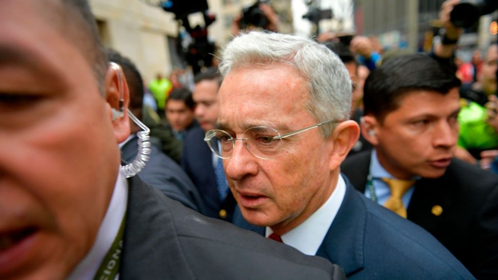 Corte Suprema de Colombia ordenó prisión preventiva para el ex Presidente Álvaro Uribe
