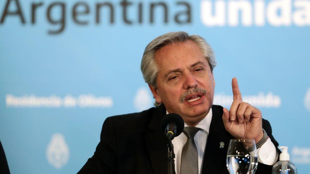 """Presidente de Argentina y aumento de casos de Covid-19: """"La gente se relajó y se relajó equivocadamente"""""""
