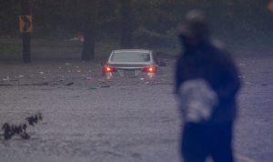 Huracán Isaías afectó la costa este de EEUU y causa al menos una muerte