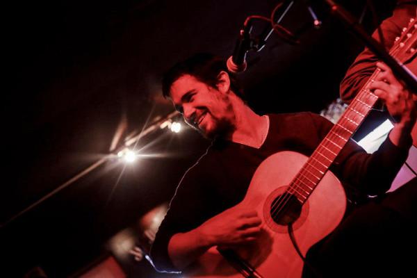 Conocemos a Al Faraggi y disfrutamos sonidos que nos sacan del encierro en MundoVivo