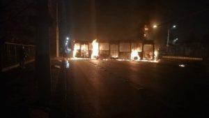 Se registró quema de buses del transporte público en Recoleta y Pedro Aguirre Cerda