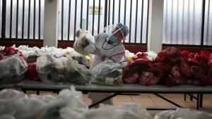 """Contraloría detectó """"alimentos en descomposición"""" en cajas entregadas por Junaeb a estudiantes"""