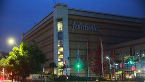 """Falabella aclaró que trabajadores en Parque Arauco realizaban """"labores de distribución logística"""""""