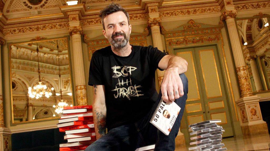 """""""Eso que tú me das"""": Preparan estreno de documental sobre los últimos días de líder de Jarabe de Palo"""