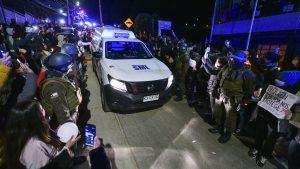 Servicio Médico Legal retiró cuerpo de Ámbar Cornejo desde casa de su madre y en medio de masiva manifestación