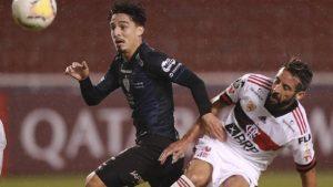 El Flamengo de Mauricio Isla fue vapuleado por Independiente del Valle en Copa Libertadores