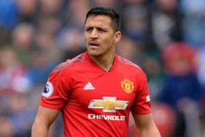 """Exjugador del Manchester United tras palabras de Alexis Sánchez sobre su salida del club: """"Dijo eso porque no jugó ni una m....."""""""