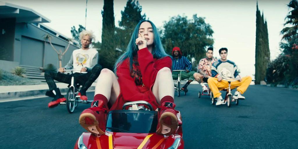 """Reconocida marca de juguetes lanzó una muñeca de Billie Eilish inspirada en el videoclip de """"Bad Guy"""""""