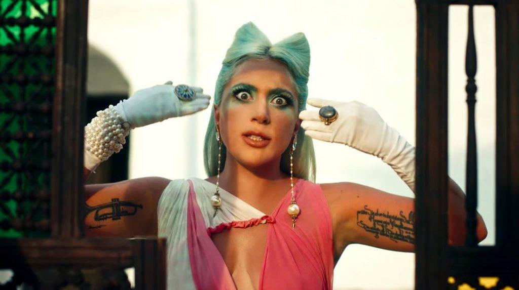 """Lady Gaga lanzó el videoclip oficial de """"911"""" con potente mensaje sobre la salud mental"""