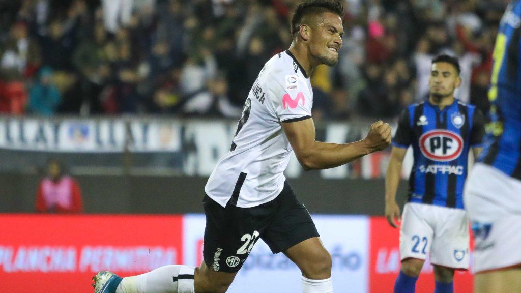 Javier Parraguez sería el reemplazante de Esteban Paredes en Colo-Colo por la Copa Libertadores