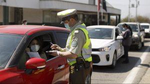 """¿Cómo funciona el nuevo permiso para los viajes interregionales? Comisaría Virtual explica: """"No me puedo bajar del auto si paso por una comuna en Transición"""""""