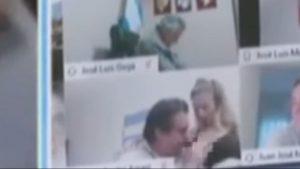 Diputado argentino explicó por qué besó un pecho de su pareja en plena sesión zoom