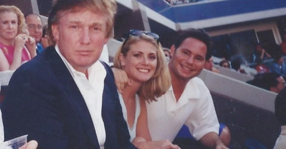 La modelo Amy Dorris junto a su exnovio Jason Binn y Trump