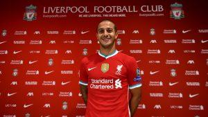 Liverpool hizo oficial el fichaje de Thiago Alcántara para las próximas temporadas