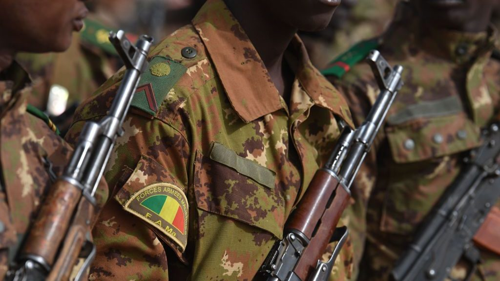 Junta militar designó a coronel en retiro como Presidente interino de Mali