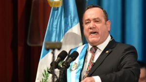 Presidente de Guatemala anunció que dio positivo por Covid-19