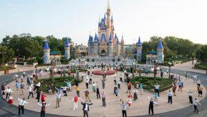 Disney anunció el despido de casi 28.000 trabajadores producto de la pandemia
