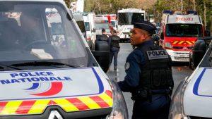 Cuatro personas resultaron heridas en ataque con arma blanca cerca de la antigua oficina de Charlie Hebdo en París