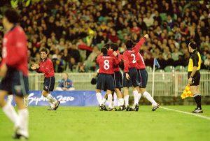 Se cumplen 20 años desde que Chile derrotó a la España de Xavi en los Juegos Olímpicos de Sydney