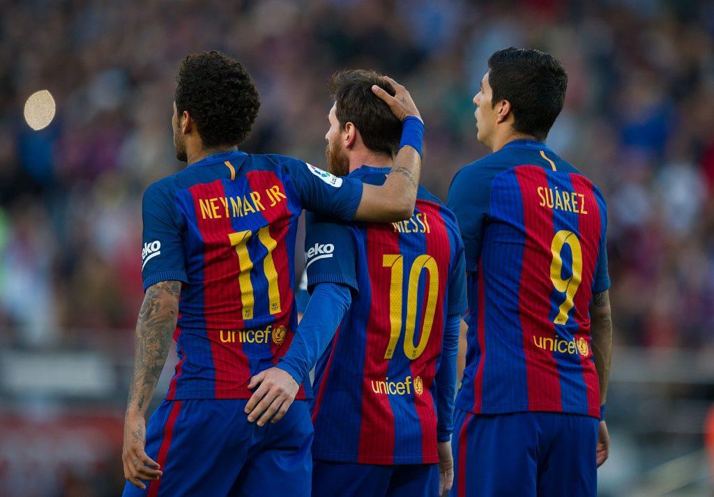 Neymar JR y Cesc Fábregas aplaudieron los dardos de Leo Messi en contra de la directiva del FC Barcelona