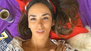 """Jhendelyn Núñez activó su """"modo Elvira"""" y entregó divertidos datos sobre las labores del hogar"""