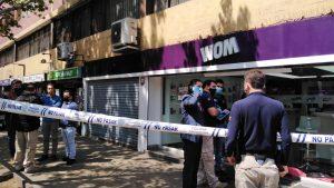 Efectivos de la PDI frustraron robo a tienda de WOM en el centro de Santiago