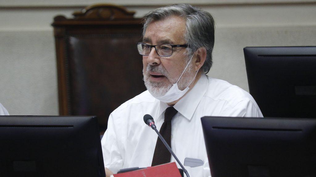 """Senador Alejandro Guillier: """"Les aseguro que hay más progresismo en las calles de Chile que en las sedes de partidos que se autodefinen como progresistas"""""""