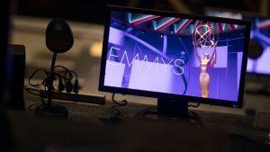 """Chascarro en los premios Emmy: Anunciaron por error a Jason Bateman como """"Mejor actor invitado"""""""