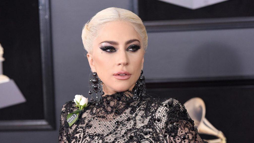 """Lady Gaga sobre su lucha contra la depresión y ansiedad: """"Si te aíslas mucho tiempo, acabas mirando solo al espacio"""""""
